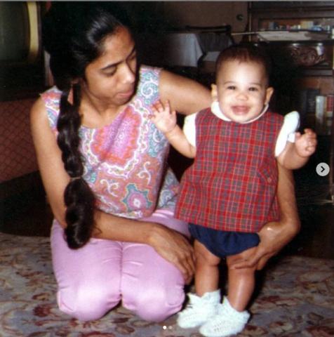 Photo of Kamala Harris and her mom